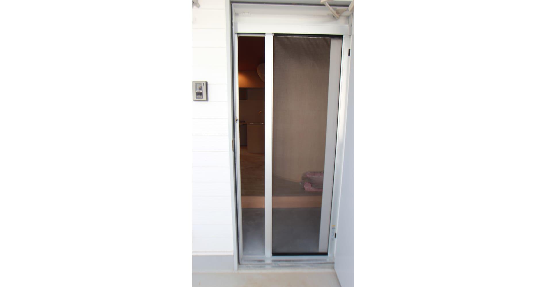 脱走防止の2重ドア
