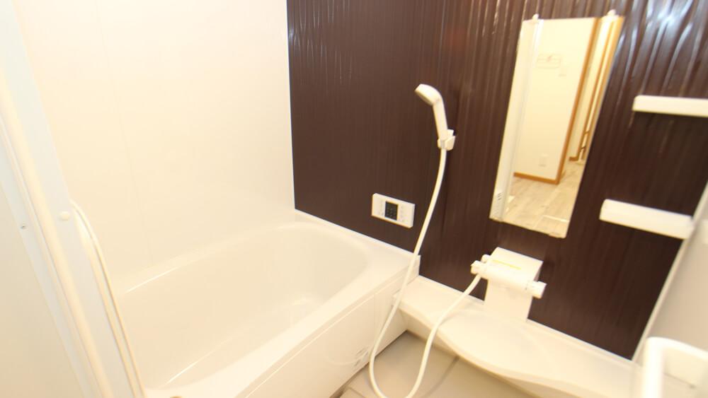 追い焚き&浴室乾燥機付きのお風呂(画像は204号室)