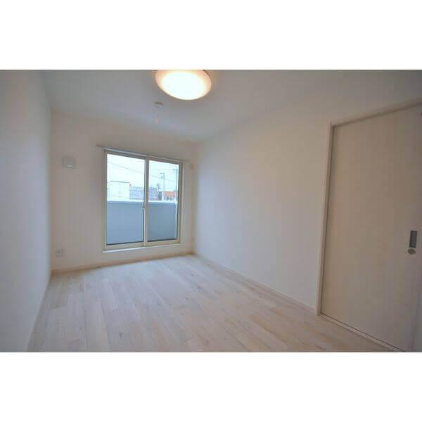 2階です!白を基調としたお部屋でオシャレ☆