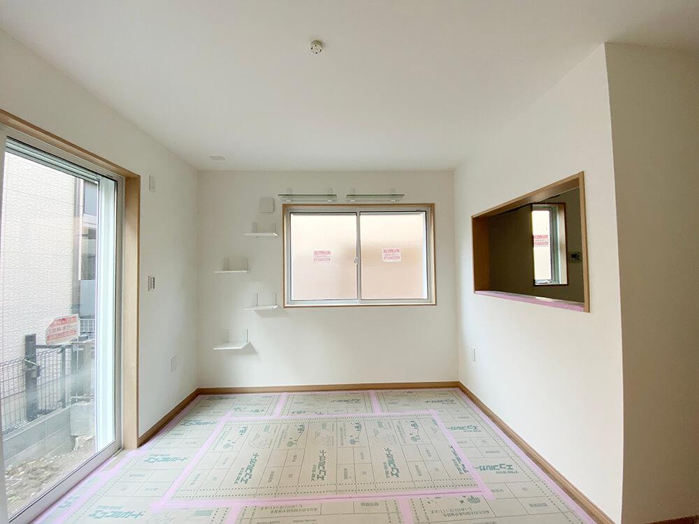 1Fの中でもちょっと広めな103号室です。カウンターキッチンには扉が着く予定!こちらもキャットステップ・キャットウォーク完備。