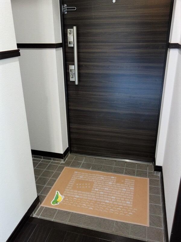 玄関はダブルロックドアでセキュリティ面も安心♪
