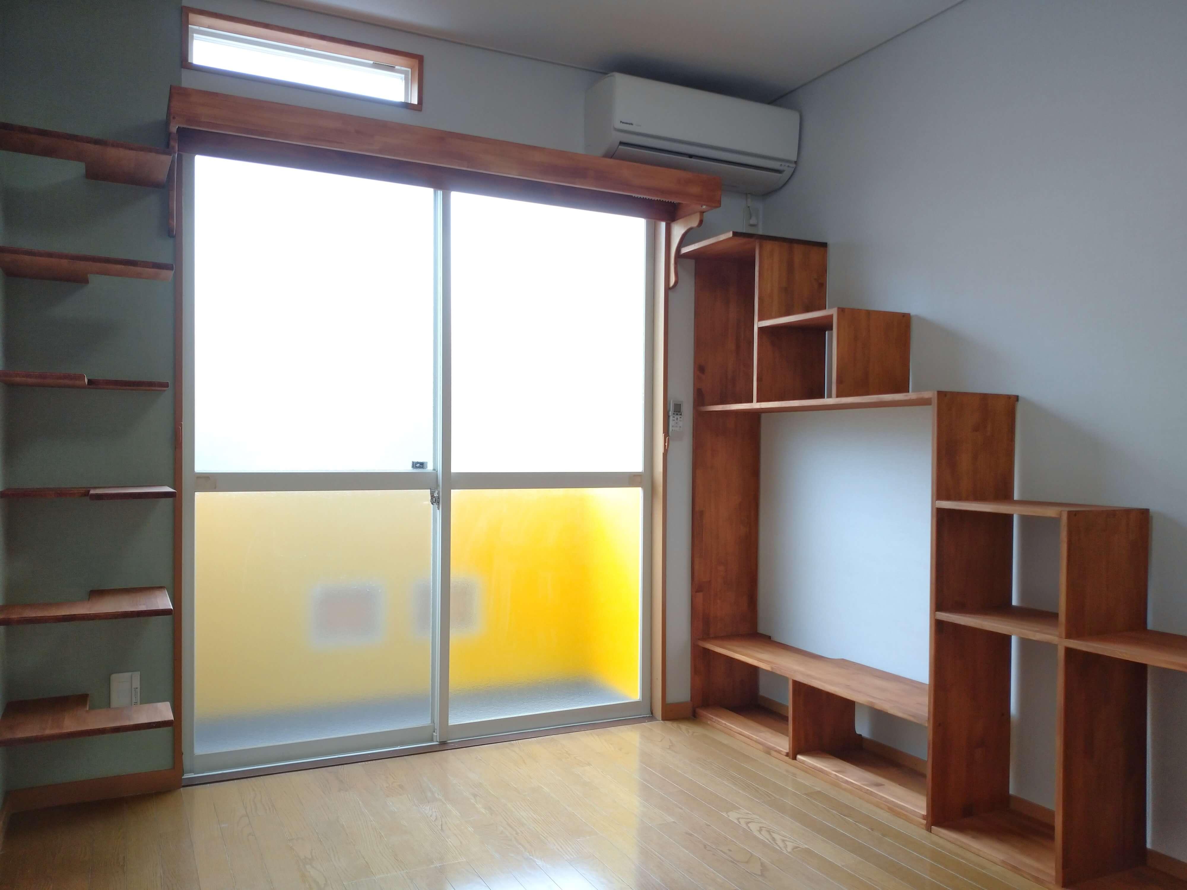 ★102号室の画像です。 101号室とは猫さん家具が反転。