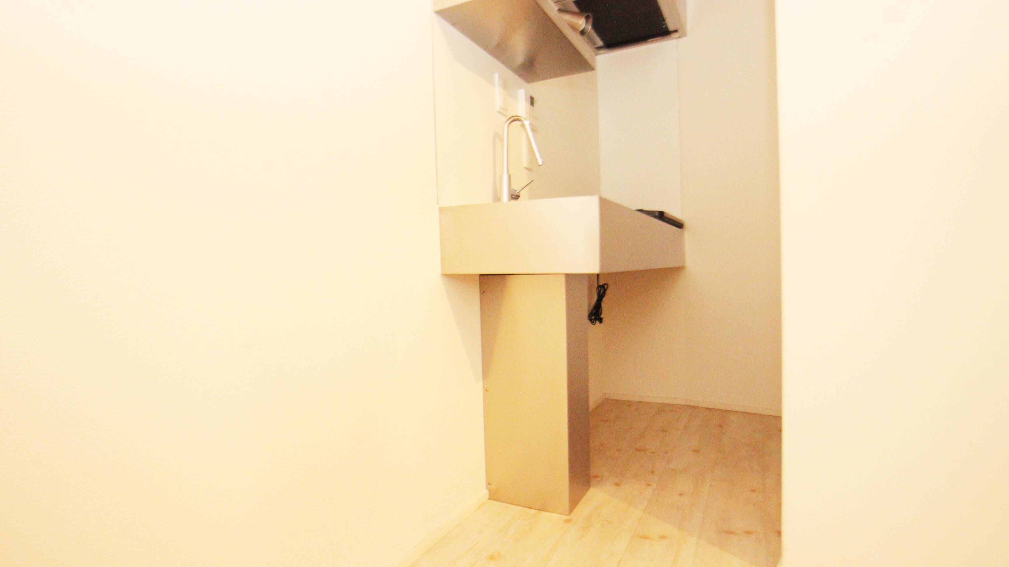 キッチンです。シンプルですがしっかり2口コンロです。