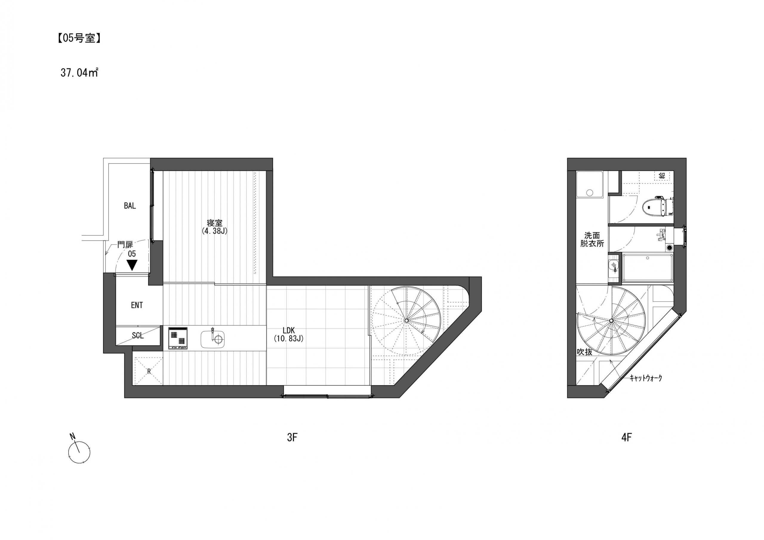 こちらは5号室、賃料160000円・共益費10000円。吹き抜けの日当たりが抜群でとっても明るいですよ。