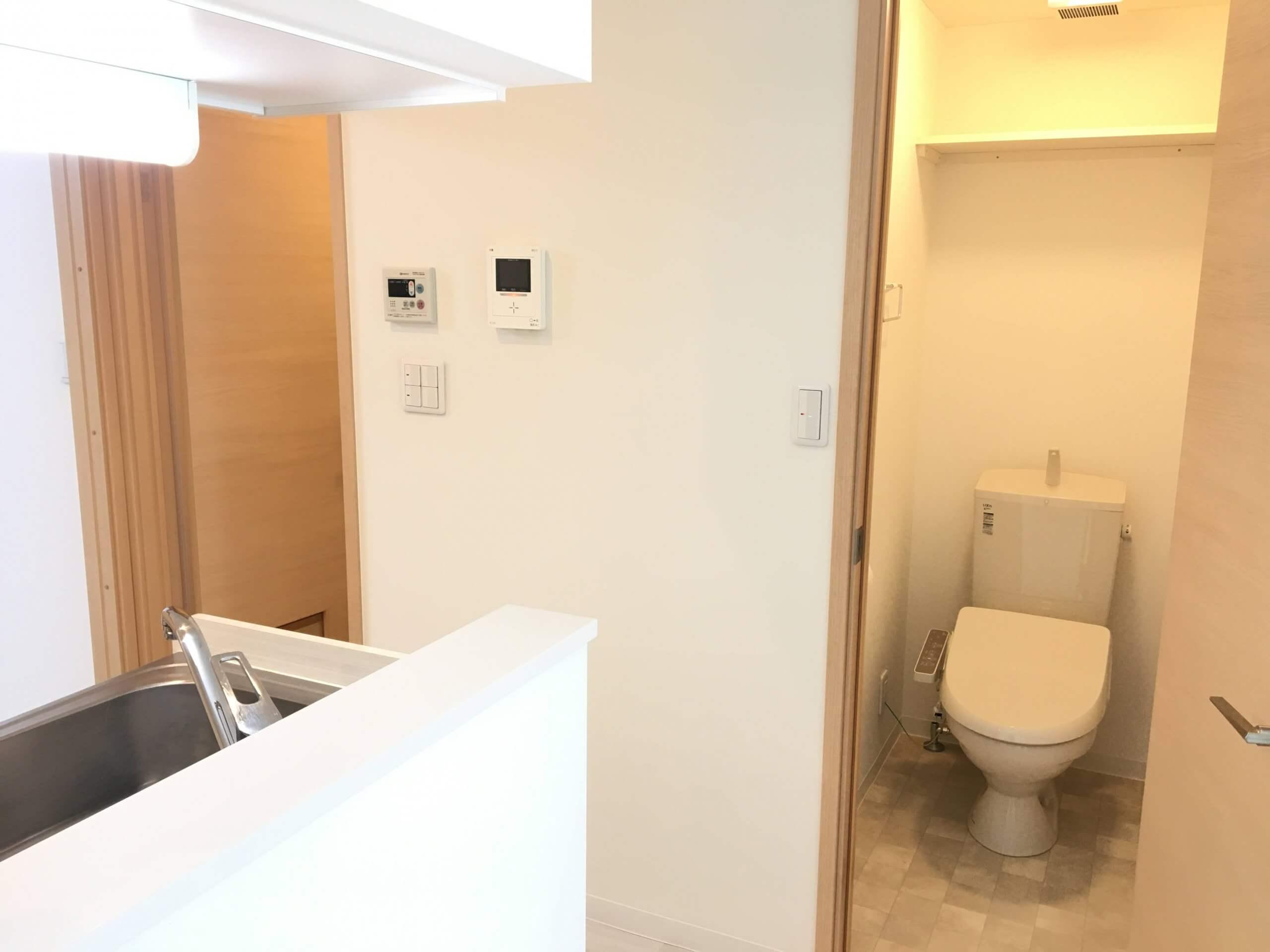 トイレも清潔感があって綺麗ですにゃ。