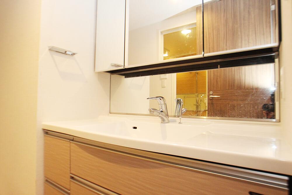 洗面台です。 広い!鏡大きい!これは嬉しい。