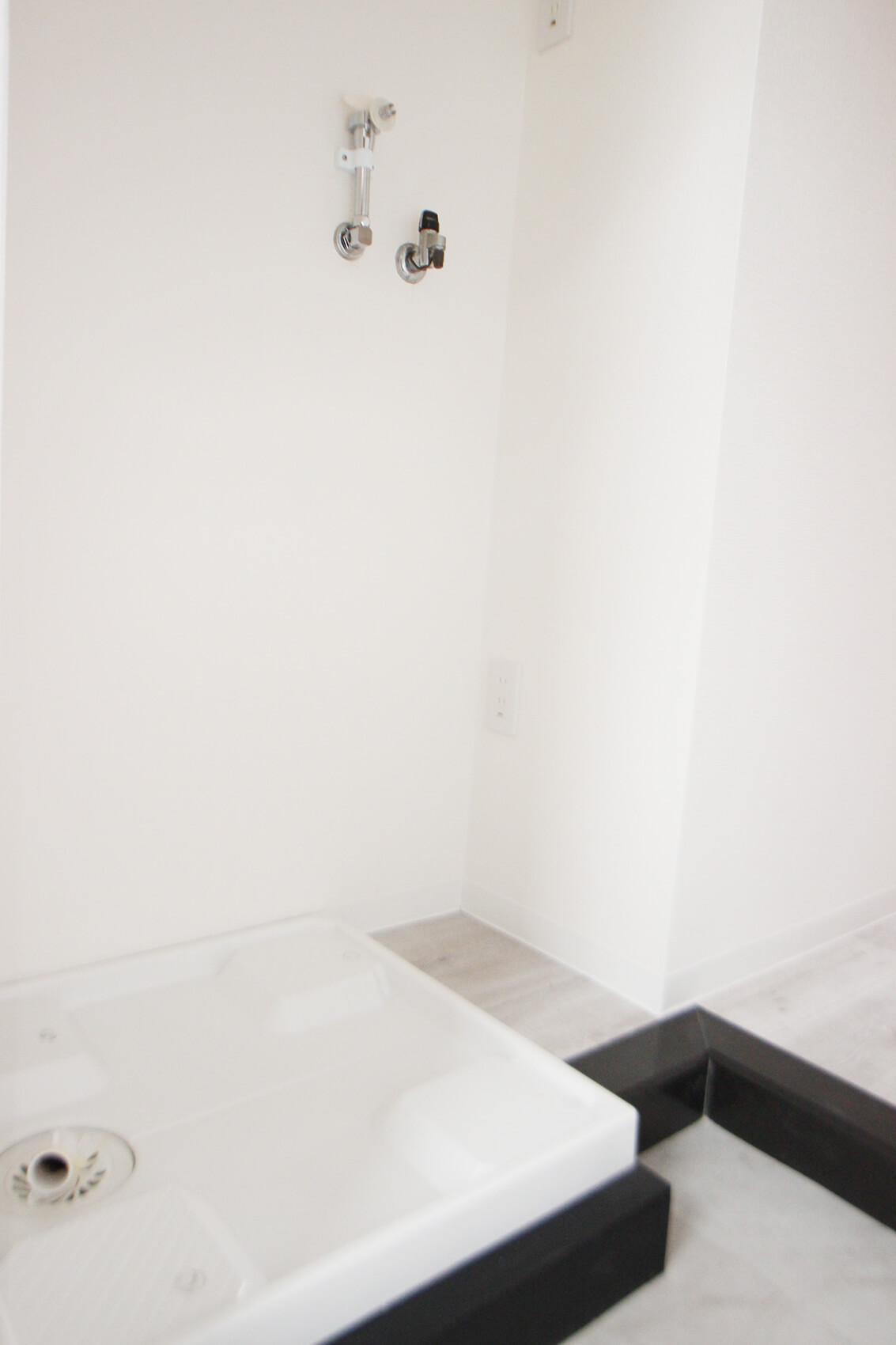 こちらは308号室の洗濯機置き場