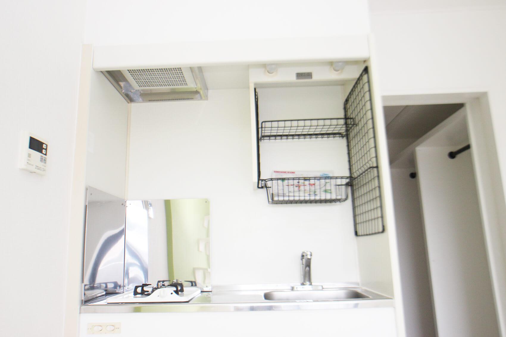 303号室のキッチンです。キッチンの仕様は他の部屋も同じです。